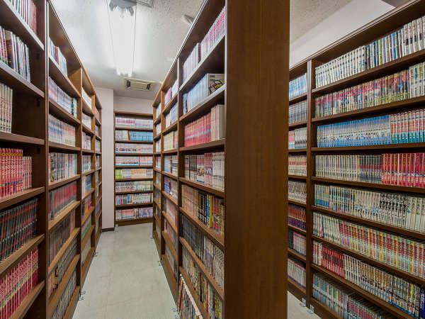 マンガ図書館には常時5000冊以上のコミックをそろえております。