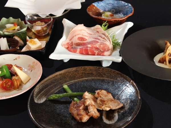 山金豚のしゃぶしゃぶ山金豚のヒレのグリル【食事一例】