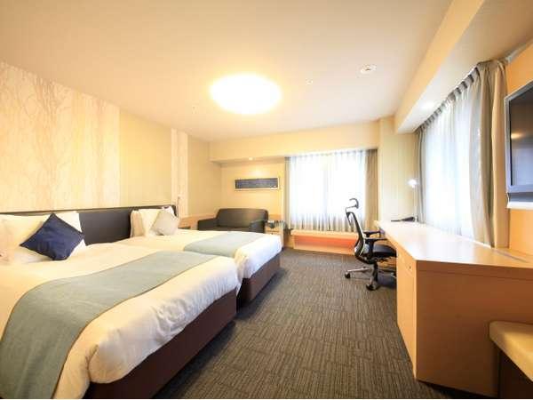 プレミアツインルームは各階1部屋だけのコーナールーム。二面採光で開放感も
