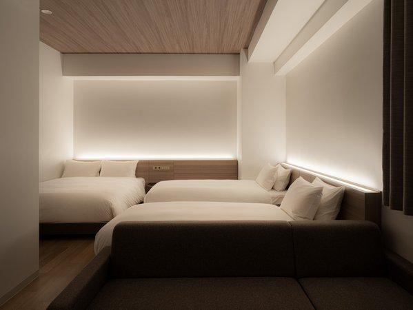 フォースルームベッド3台お部屋でご家族でもゆったりとお過ごしいただけます。