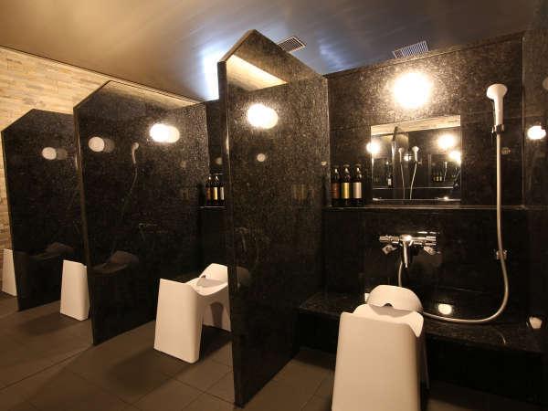大浴場内洗い場スペース