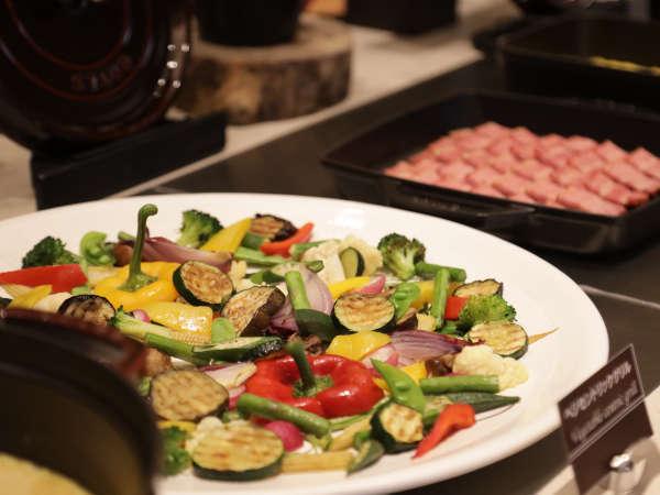 京王プラザホテル札幌の洋食料理長が手掛ける当ホテルオリジナルブッフェをお楽しみください。