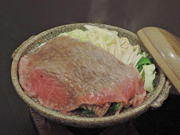 *夕食一例/旨みが違う!県産黒毛和牛を当館おまかせ料理でご提供します。