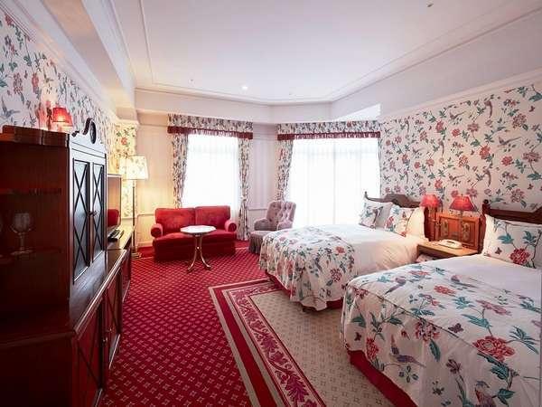 【デザイナールーム】女子旅やカップルにおすすめの華やかなお部屋。
