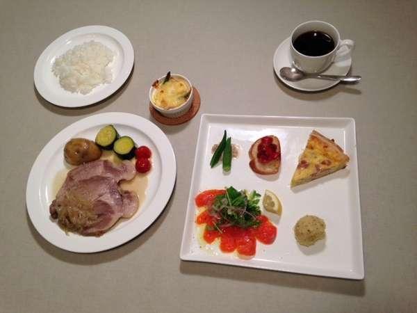 前菜の盛合せ新州ポークのロースト【ディナー一例】