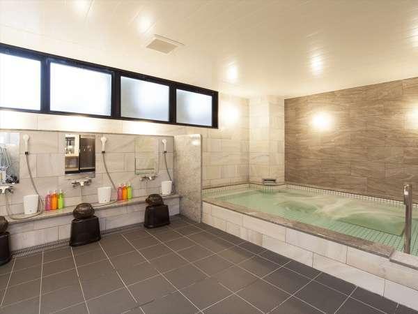 ■大浴場■旅の疲れを癒す男女別の大浴場を完備。夜は深夜1:00まで、朝は6:00から営業しています。