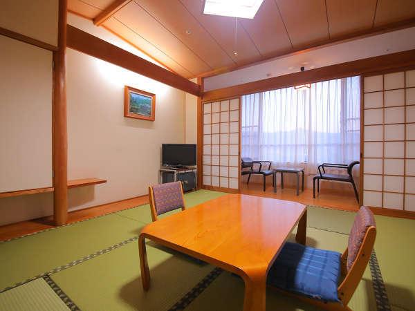 【和室】ビジネスでのご利用でも旅館気分が味わえる和室です。