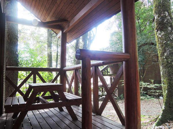 自然豊かなの森の中にあるコテージを別荘感覚でお過ごし頂けます♪