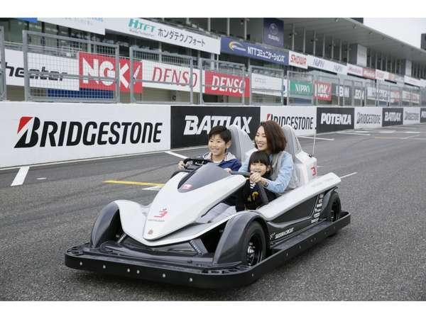サーキットチャレンジャー(世界初!F1開催コースを走る新感覚EVアトラクション)