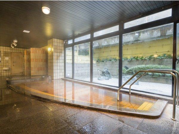 【温泉大浴場】ゆったりお風呂に浸かって日頃の疲れを癒してください。