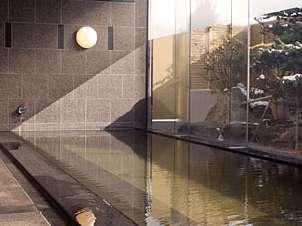天然温泉「旅人の湯」は うちみ、神経痛、筋肉痛などに良いアルカリ性単純温泉です。