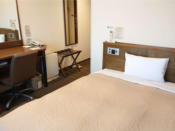 【スタンダードシングル】13平米のお部屋と140センチ幅のベッドでゆったりとお過ごしいただけます。
