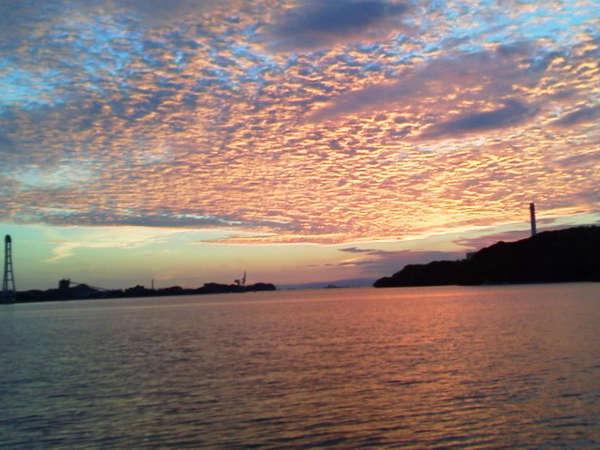 全室、橘湾に面しており美しい朝焼けをご覧頂けます。。