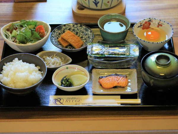 【和朝食】からだにやさしい和食が一番♪ご飯のお代わりは自由!しっかり食べて元気におでかけください