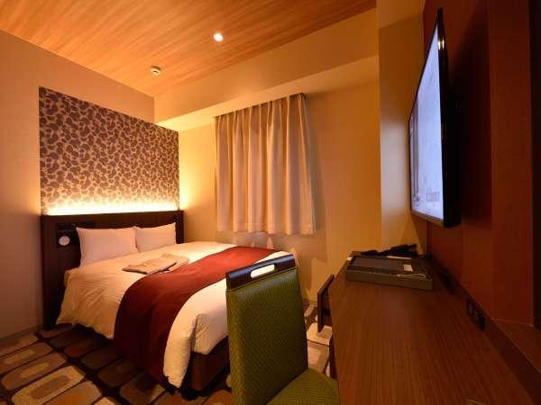 ダブルベッドルーム(140cm幅ベッド1台/13㎡)