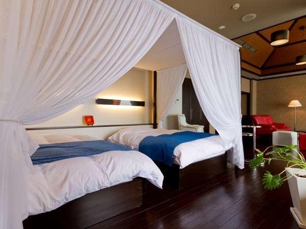 離れ「華館・桜」 天蓋ベッド