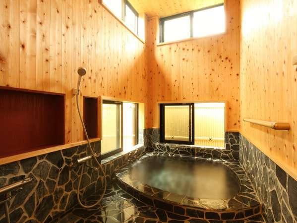 2012年9月リニューアルの石畳風呂。
