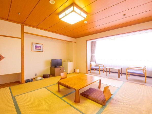 和室10畳イメージ。全客室から太平洋が一望できます。