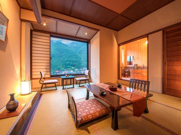 ◆半露天風呂付客室10畳 ◆広めのお部屋でゆったり過ごせます。景色をみながらのお風呂は格別のひと時♪