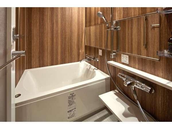 浴槽も旅の疲れを癒せるような快適さを追求しております。