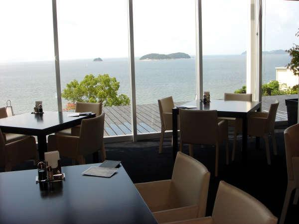三河湾を望むオープンキッチンレストラン「竜宮」