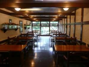 【レストラン喫茶】グリルではご宿泊以外のお客様もご利用いただけます。ランチタイムあり。