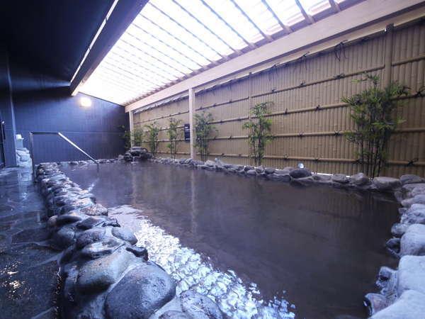 リニューアルした天然温泉(外風呂)です。
