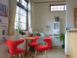 フロントにコーヒー、紅茶、日本茶が無料です。ご自由にどうぞ!