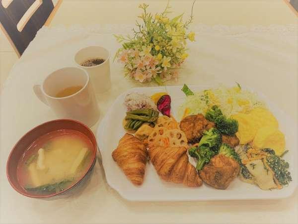 【朝食無料サービス】
