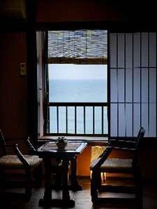 リニューアルされた海側客室【月待】からの眺め