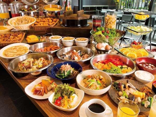 【朝食:1階ボンサルーテKABUKI】和洋ブッフェスタイル