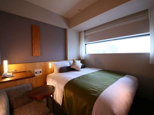 【ダブルルーム一例】バス・トイレ別/広さ18平米/ベッド幅140cm/Wi-Fi