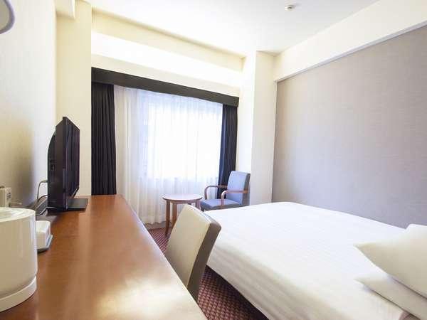 ■ダブルルーム一例:140~150cm幅ベッド(16~18平米)