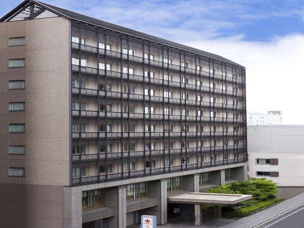 烏丸御池駅から徒歩2分!!京都の真ん中でアクセス抜群♪