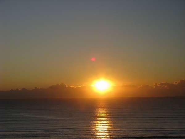 水平線から昇る朝日は、まさに絶景!