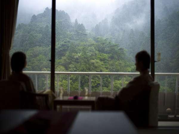 【和室一例】窓外に広がる緑を眺めてのんびりと・・・