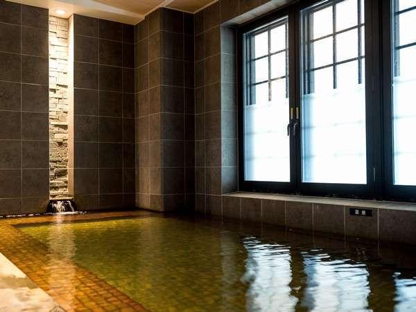 【ブルーリーフ/浴室】沖縄でも希少な天然温泉で旅の疲れをリフレッシュ(営/6:00~24:00)
