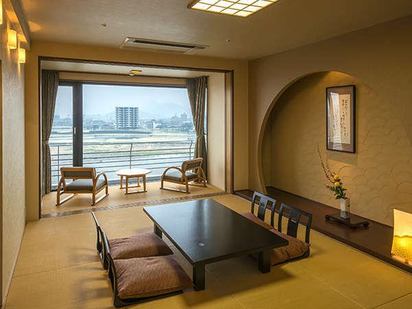 【特別室・清涼の間】眼下に長良川を見下ろす 露天風呂付特別室「清涼の間」