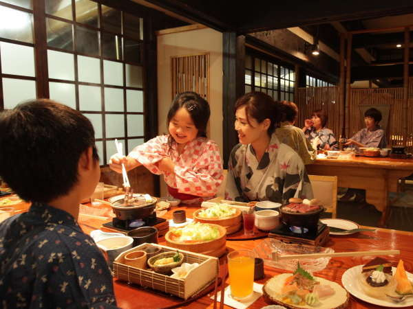 個室風お食事処「竹庭」にて。山里の恵みいっぱいのお料理をどうぞ。