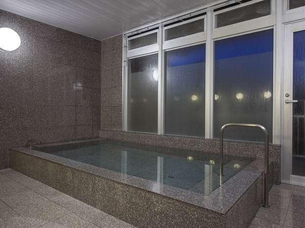 【男子】大浴場 竹炭風呂で疲労回復!