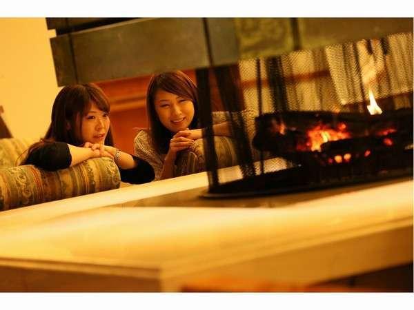 暖かな暖炉の火に癒されて・・・