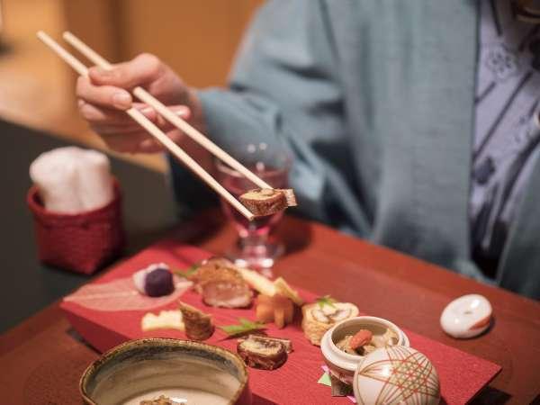 毎月内容が変わる前菜もお楽しみのひとつ。