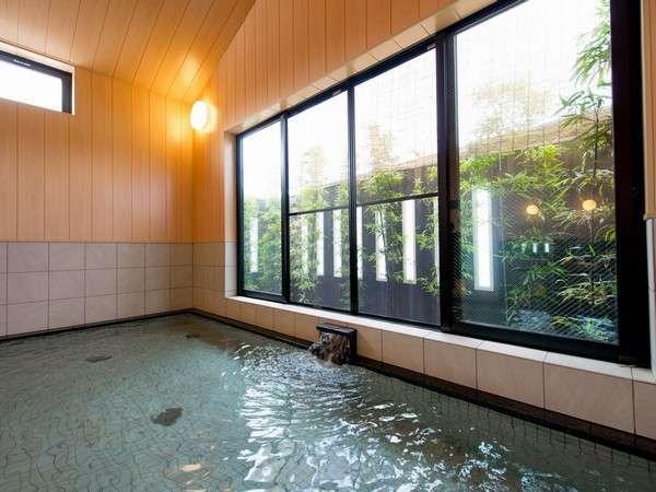 1階大浴場『岩間の湯』岩間寺から湧き出るラジウム温泉でごゆるりと…