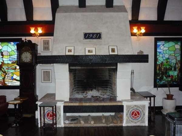 当館ラウンジの暖炉です☆冬には勿論火が点きます♪