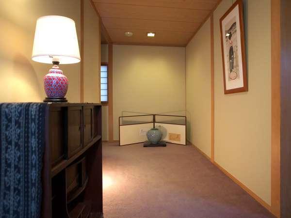 新館に客室に続く廊下