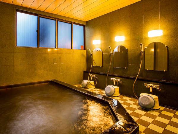 疲労回復に効果のある柴山温泉で、ゆったりのんびり、日頃の疲れを癒して下さい。