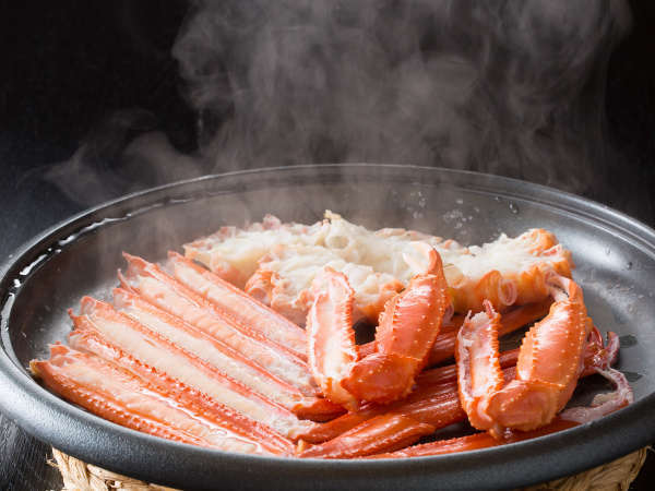 ベニズワイガニは陶板焼きで食べるのがオススメ。