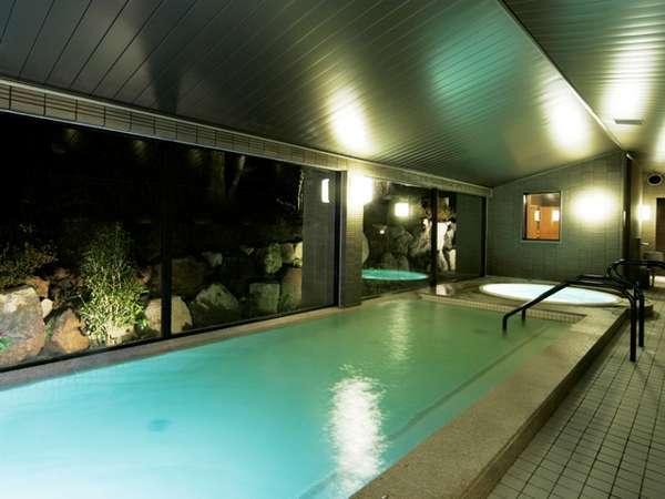 大きなお風呂で、ゆっくりと温泉をお愉しみください。