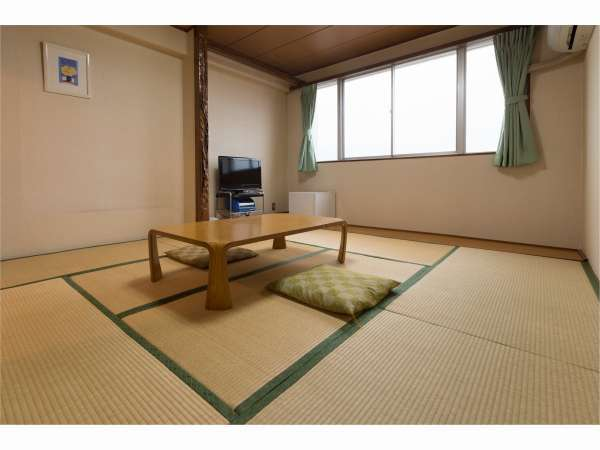 部屋(8畳)