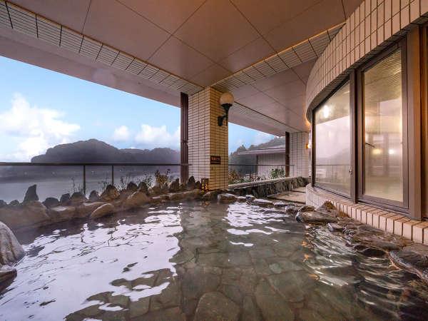 【4F‐森の湯】爽やかな風を感じる朝風呂もおすすめです♪